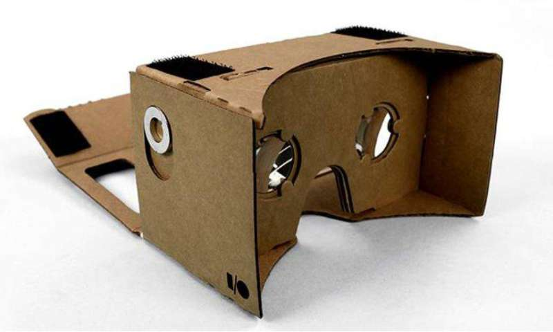 vr brille aus pappkarton google stellt cardboard projekt vor pc magazin. Black Bedroom Furniture Sets. Home Design Ideas