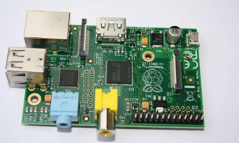 raspberry pi model b mit 512 mb ram rev 2 0 f r 19 90 euro pc magazin. Black Bedroom Furniture Sets. Home Design Ideas