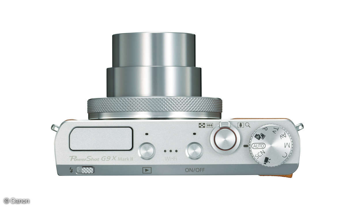 Canon Powershot G9 X Mark II silver top lens out