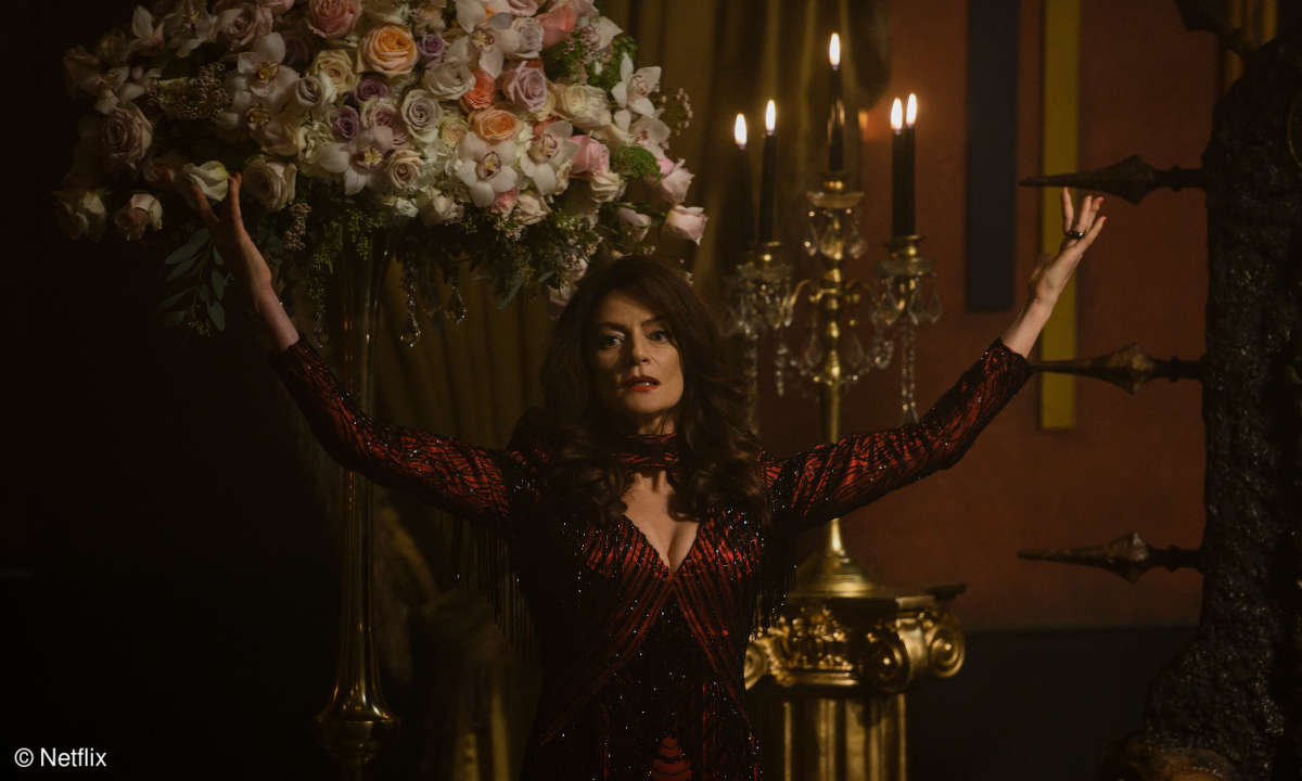 Chilling Adventures of Sabrina - Lilith / Ms. Wardwell