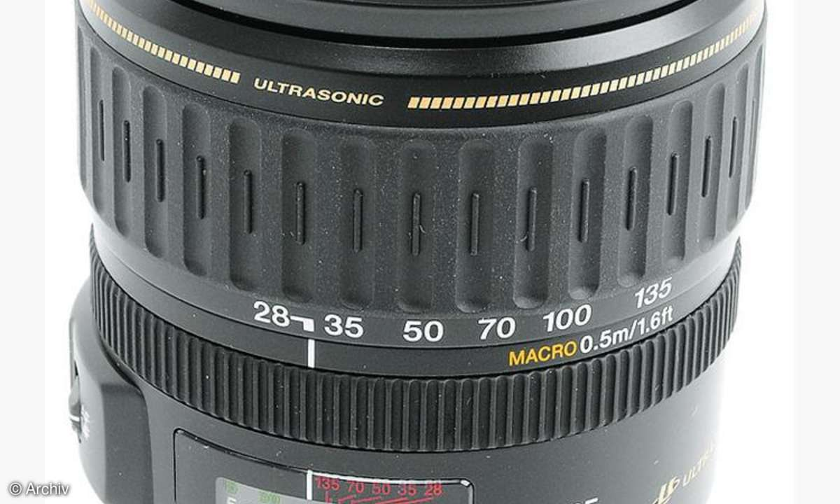 Canon EF 3,5-5,6/28-135 mm IS USM an Canon EOS 450D