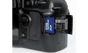 Nikon D50 Bedienelemente/SD-Card