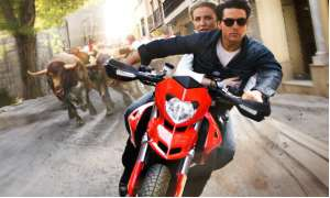 "Tom Cruise und Cameron Diaz in ""Knight and Day"""