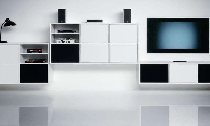 tad audiovertrieb bietet edle hifi m bel von clic an pc magazin. Black Bedroom Furniture Sets. Home Design Ideas