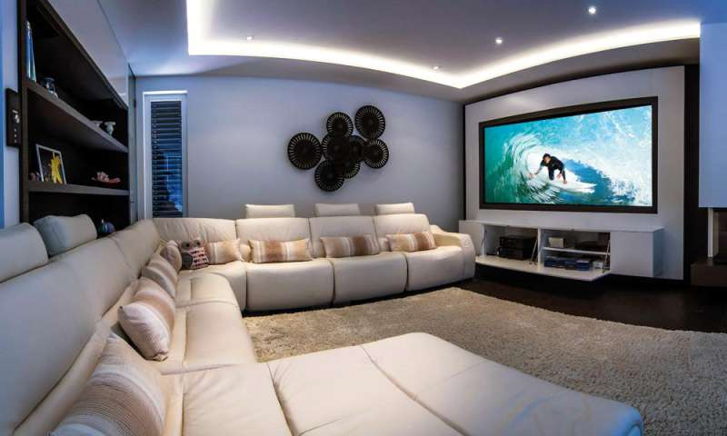 kino im wohnzimmer heimkino installation von hifi forum pc magazin. Black Bedroom Furniture Sets. Home Design Ideas